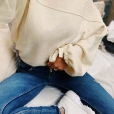 SWEATER WHITE BOW SLEEVE